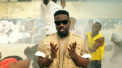 Photo of Video Premiere: Biibi Ba by Sarkodie feat. LJ, Tulenkey, Frequency, Kofi Mole, ToyBoi, Yeyo, Amerado, 2Fyngers, O'Bkay & CJ Biggerman