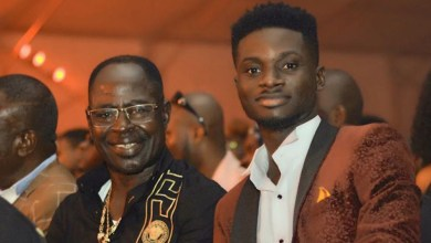 Photo of Kuami Eugene appreciates Amakye Dede after being crowned King of Highlife