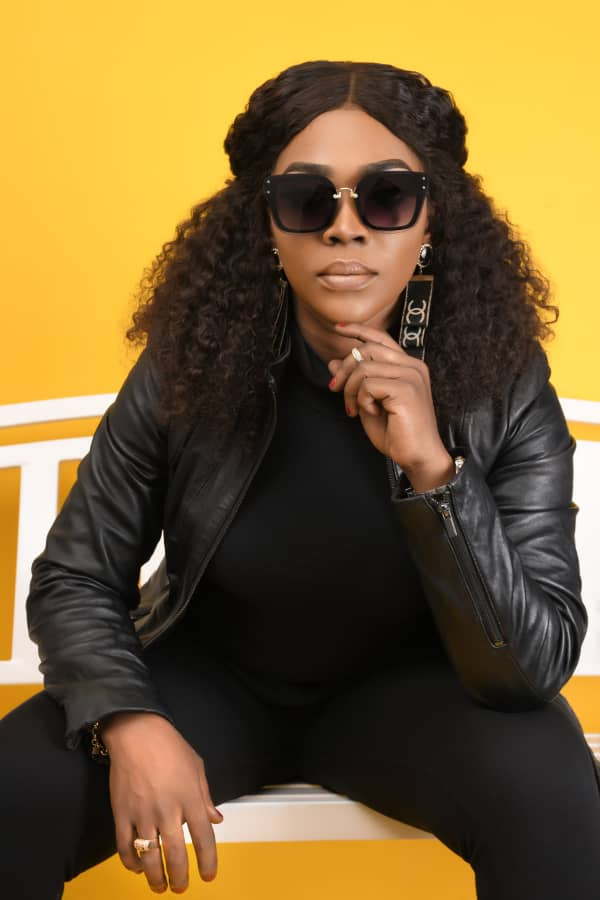 Photos: Jayana poses ahead of 'Victory' video release