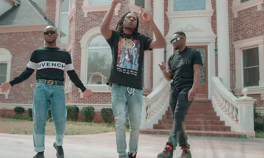 R2Bees premier latest audiovisual for Picture