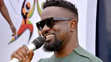 Photo of Sarkodie humbled by Yaw Sarpong's works despite Hammer's claims
