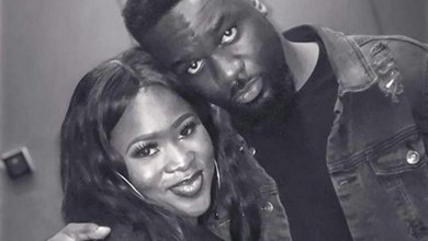 Photo of Sarkodie hails Sista Afia