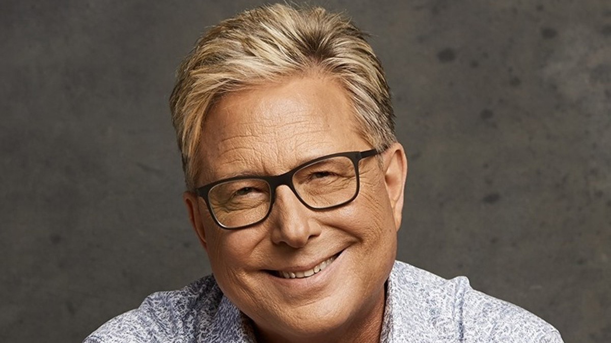 Don Moen breaks grounds for school building in Ofankor - Accra