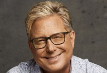 Photo of Don Moen breaks grounds for school building in Ofankor – Accra