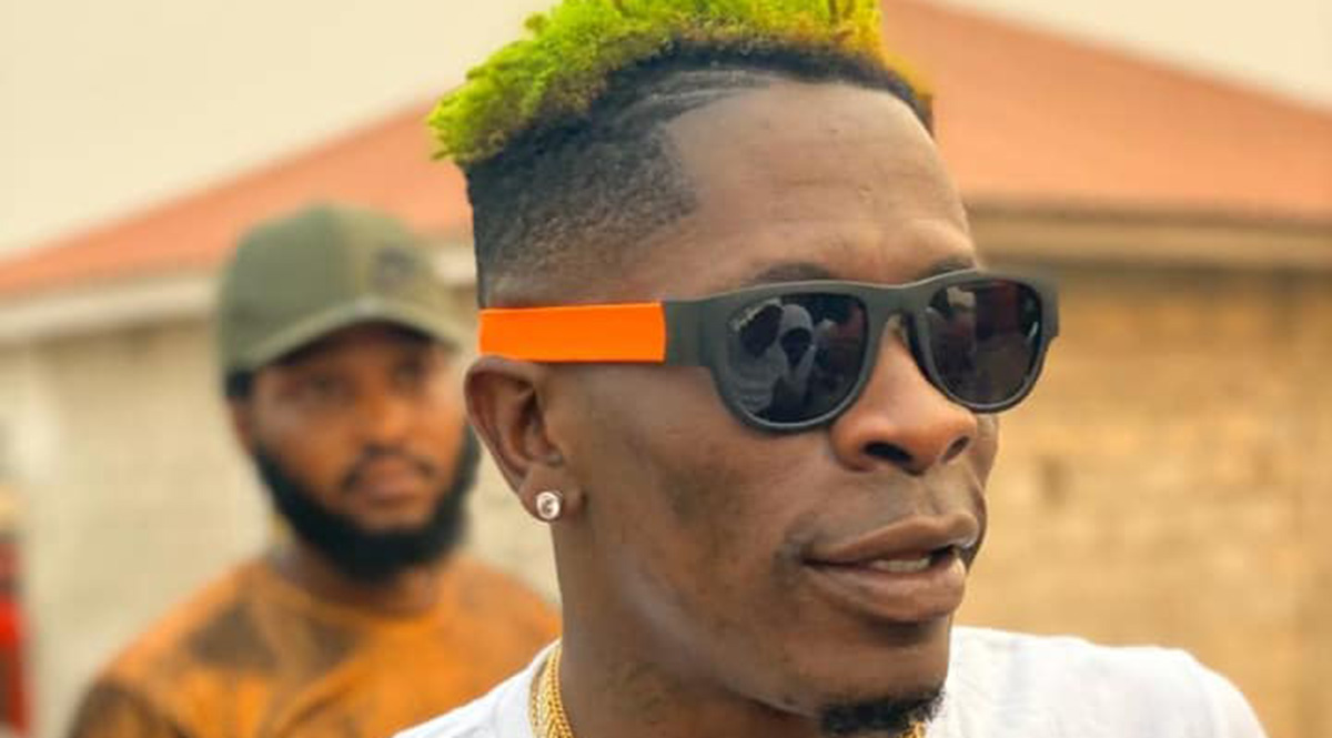 Adonko please sign me, my name is Shatta Ike chwuku Wale - Shatta Wale