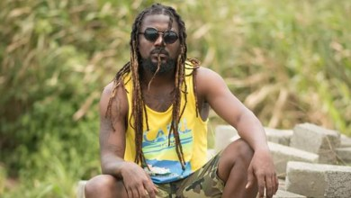 Samini reconciles with Dumelo; pledges support for his political ambitions