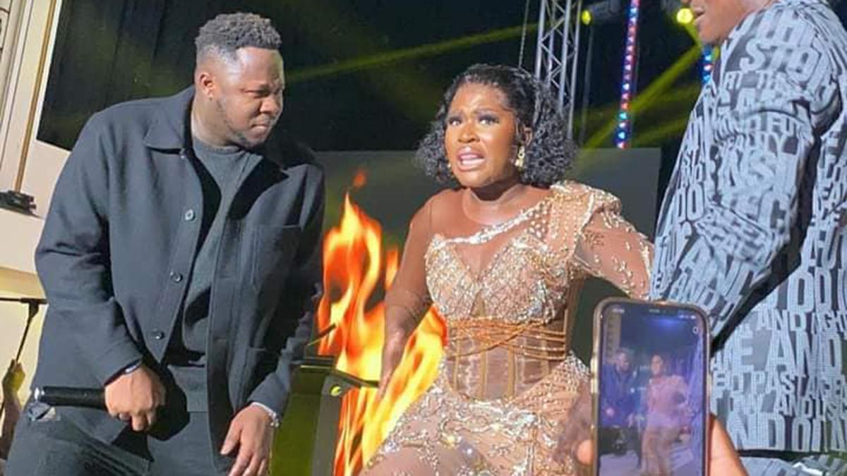 Medikal shutsdown GMA-UK with Fella Makafui after she snatched the mic to rap! – Ghana Music