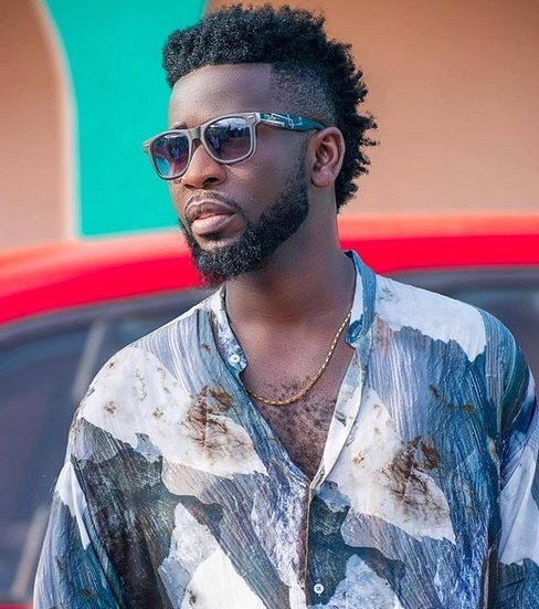 "France Footballer Presnel Kimpembe Singing To Bisa Kdei's ""Asew"""