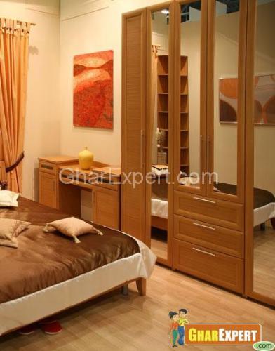 Wardrobe In Small E Bedroom