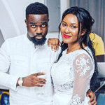 Sarkodie's Wife, Tracy 'Fights' With Fan Over Her Backside