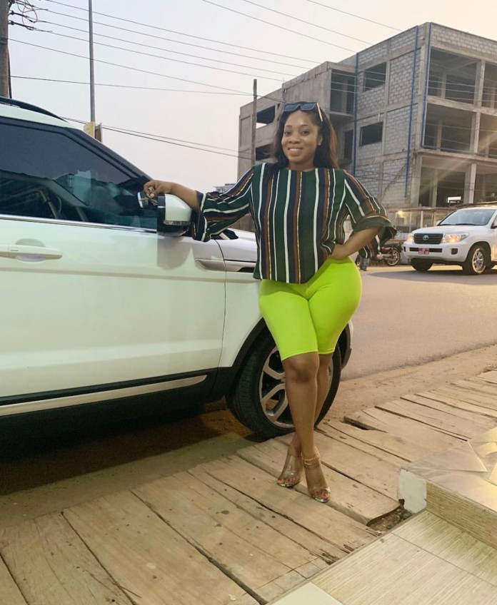 99CF3D4A 4DC3 4EAD 96E1 A55284A503C5 - Oh Lorrd!! Moesha Buduong Puts Her Huge 'Akosua Kuma' On Display And Everyone Is Going Nuts About It