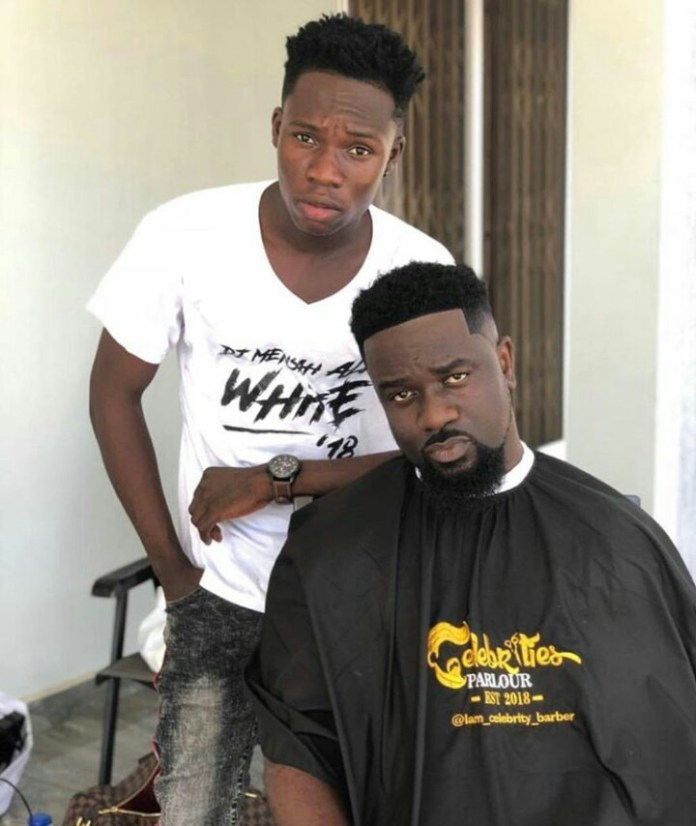 IMG 20190311 074829 337 - No WASSCE, Degree or HND certificate but making millions daily – Celebrity Barber brags