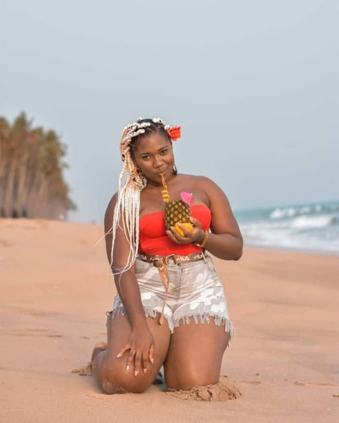 "lencyonfire 51411300 2057999957570747 7987671362210489341 n - ""Sometimes I want to be myself but it 's scary""- Abena Korkor says as she drops seductive video of her dancing (WATCH)"