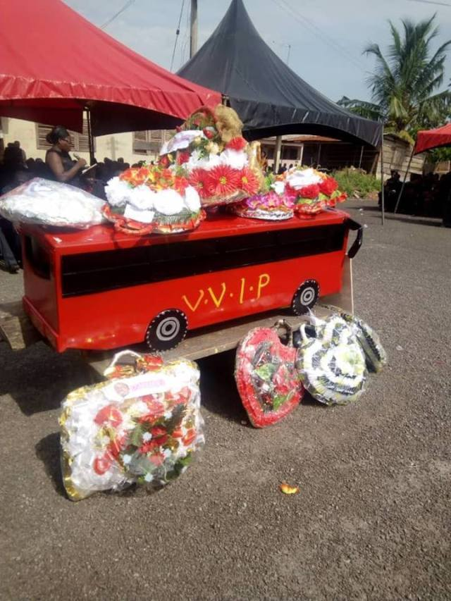 vvip coffin - VVIP Bus Driver Who Died In Kintampo Accident Buried In A VVIP Bus Coffin