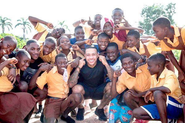 mem1 - Former Manchester United Player, Memphis Depay Visits Ghana For The Second Time & Goes To Cape Coast For Some Charitable Projects