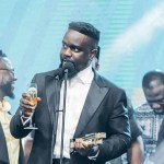 Sarkodie 'disgraces' Shatta Wale: Get familiar with these 4 wicked punchlines and analysis of 'Oofeetsɔ'