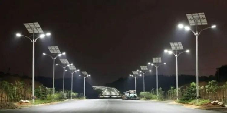Gov't begins installation of 14,000 streetlights in Accra