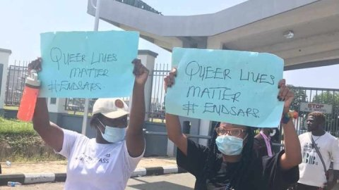 Drama As Lesbians Join EndSARS Protests In Lagos- See Photos