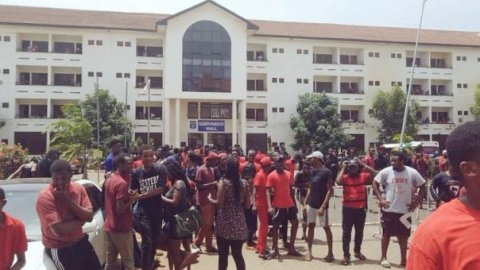 Legon students demonstrate against planned introduction of 'double-track' system to the university [Video]