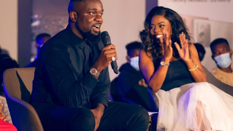 'Your Spectacles Like An Empty Tin Of Milk'- Nana Aba Anamoah Shreds Social Media User For Disrespecting Sarkodie