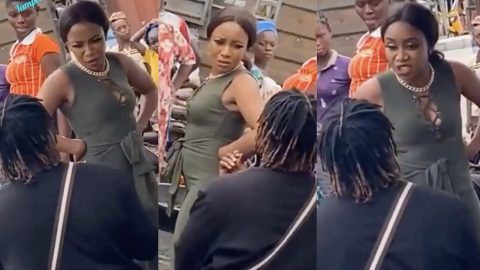 Video:Man Humiliated By Girlfriend After Trying To Propose To Her In The Middle Of The Market..