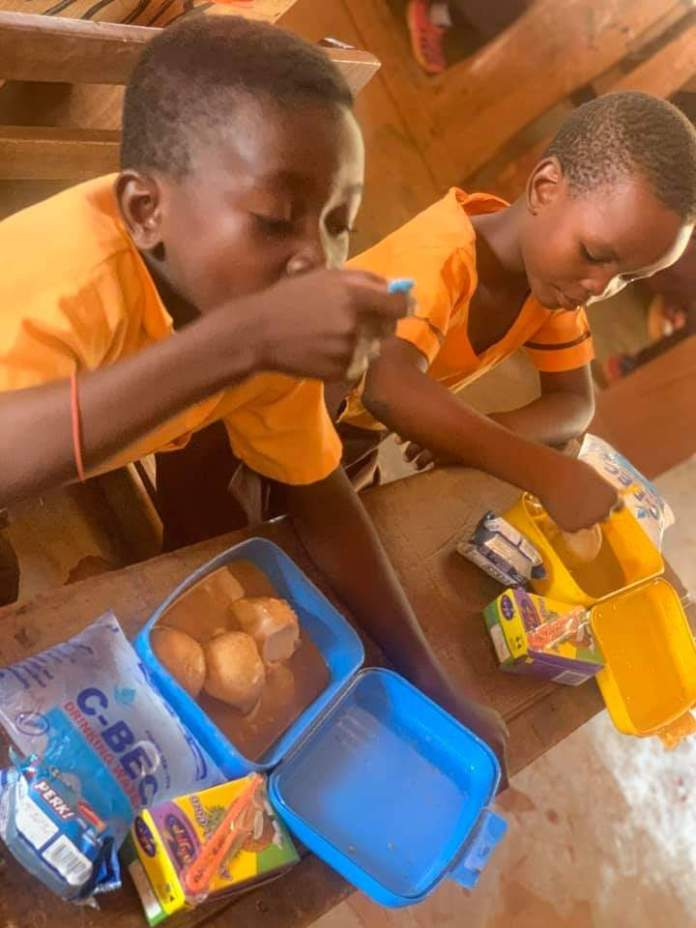 Meet Serwaah, the teacher who gives her students lunch every day despite her small earnings (photos) 3