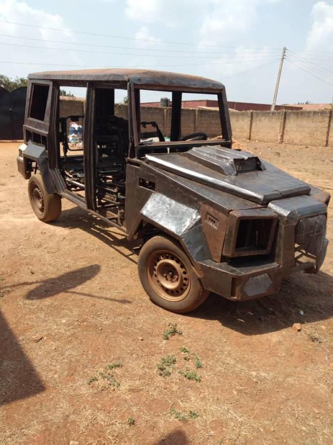 Nigerian students manufacture a Jeep using local materials, ask for help so they can finish
