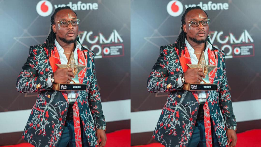 """""""You wouldn't be saying this if Stonebwoy and Shatta Wale were involved"""" – Trolls go at Epixode for saying he's """"King of Dancehall"""" after VGMA win"""