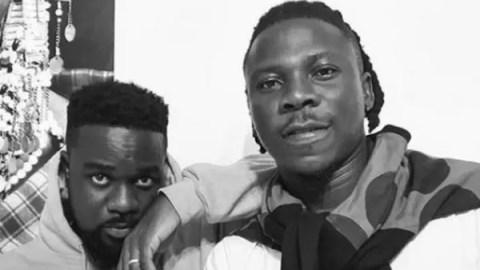 Stonebwoy Promotes Sarkodie's 'No Pressure' Album Despite Their Beef