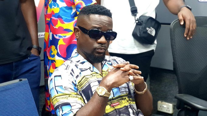 """I am thinking of dropping a track to address DUMSOR"""" in the country – Sarkodie"""