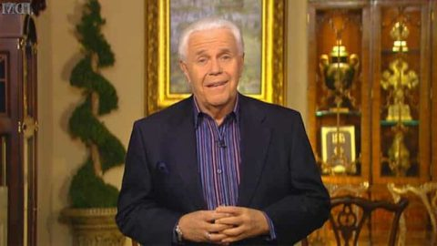If you want Jesus to return early, try to give more donation to your pastor –American televangelist, Jesse Duplantis claims