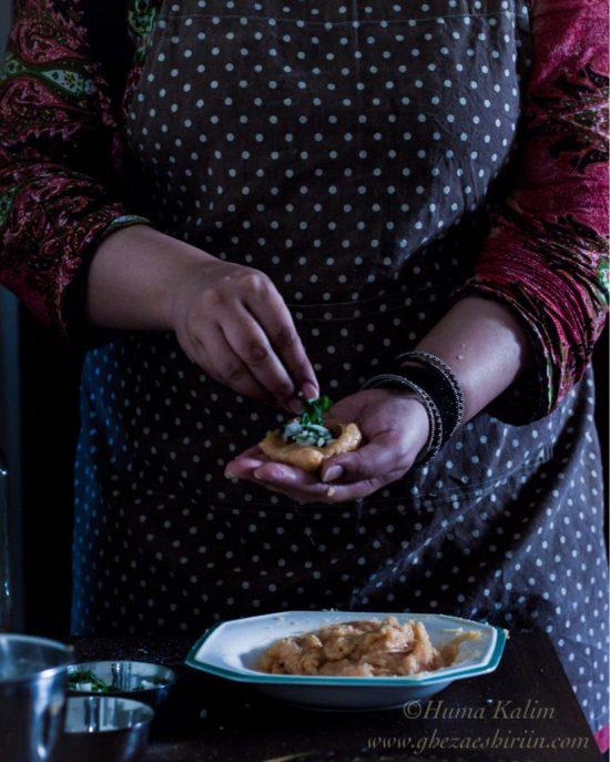 Chicken Laziz Kofta / Chicken Kofta in Green Sauce