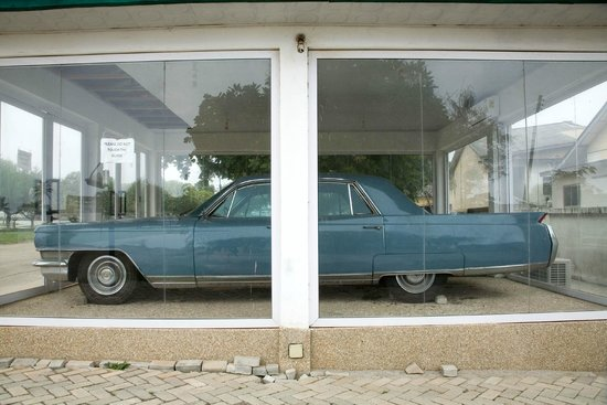 Image result for Kwame Nkrumah's first car rotting away at the National Museum (Photo)