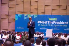 Paul Kagame meets young Rwandans