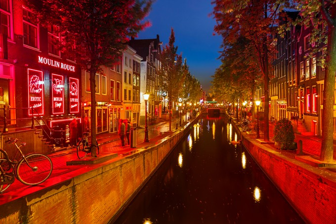 red-light-district-amsterdam_0