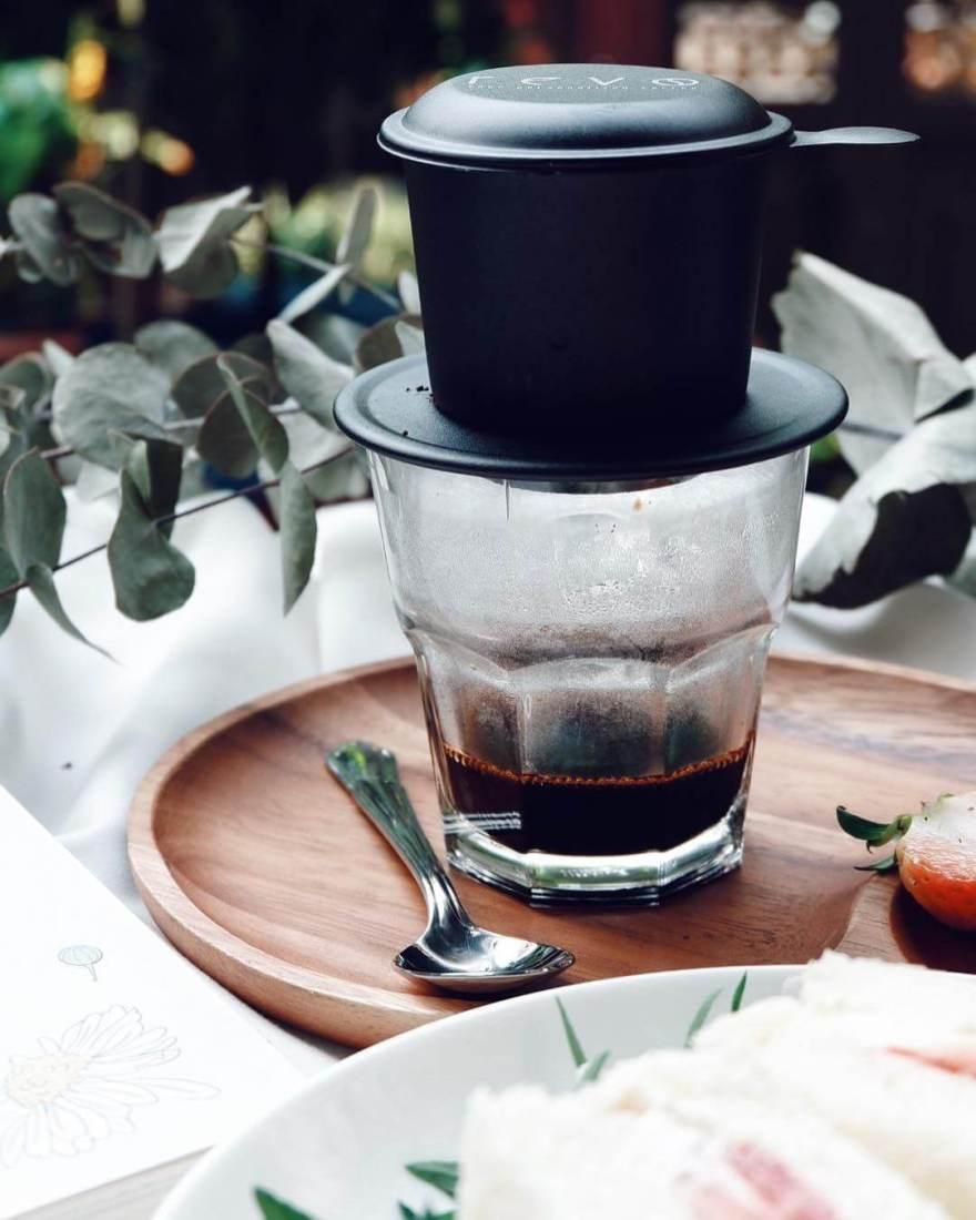 Cà phê nguyên chất sẽ có màu cánh gián.