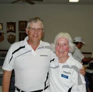 2016 Hutchings Pairs 3 game winners Steve Foster and Jenny Coy.