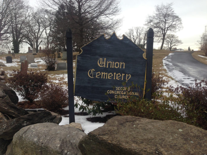 union cemetery entrance haunted gravesite white lady