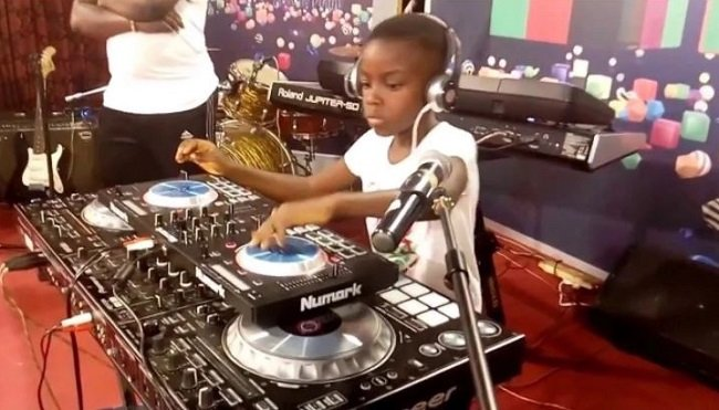 RTP Awards: DJ Switch entertains patrons with her 'One Corner' dance