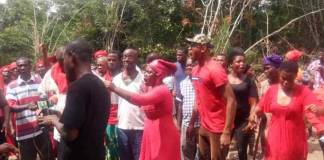 Residents invoke 77 deities on regional police commander and crime officer