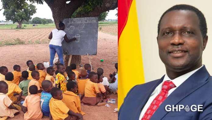 Dr Yaw Osei Adutwum school children