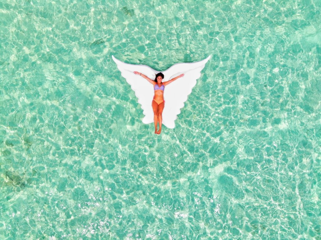 materassino maldive acqua cristallina