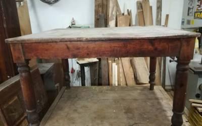Tavolino in legno con cassetto primi '900