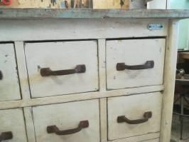 Cassettiera in legno da officina