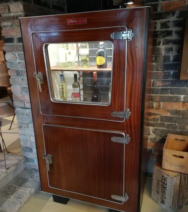 Ghiacciaia frigo in legno di mogano anni '40