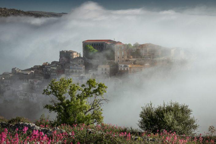 Ibla nella nebbia
