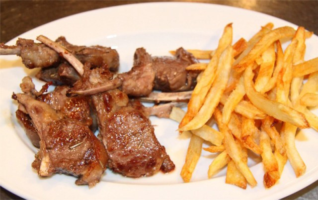 Lamb-chops-with-Fries-8x6.JPG