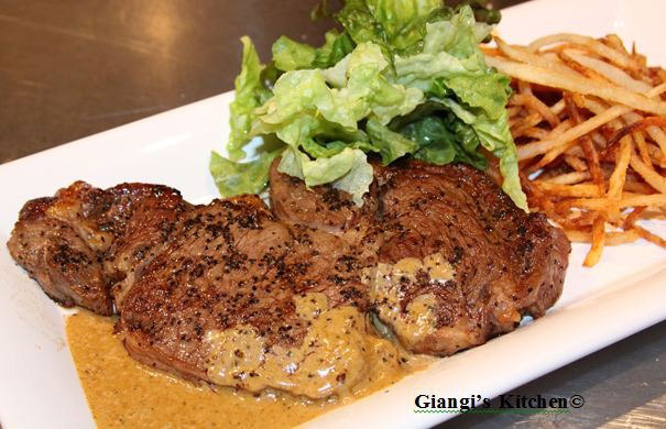 Steak-Frites-et-Salade-copy-8x6.JPG