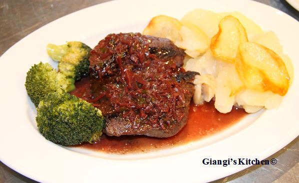 Steak-with-Bordelaise-Sauce-8x6.JPG
