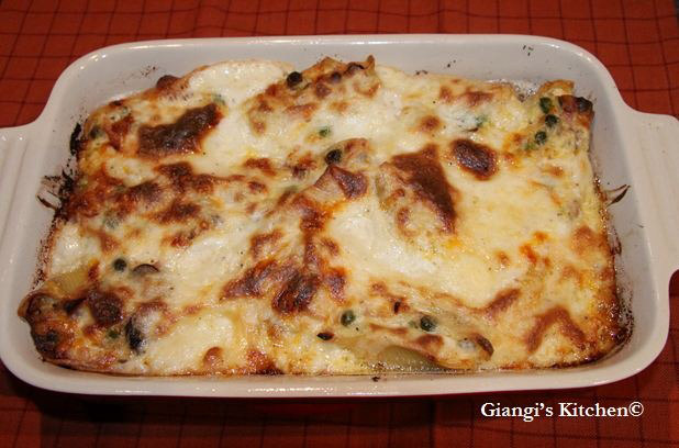 Stuffed-Shells-out-of-the-oven.-copyJPG-8x6.JPG